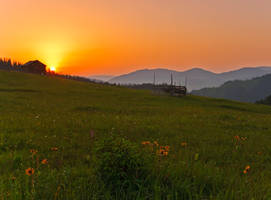Sunrise in the hill. by lica20
