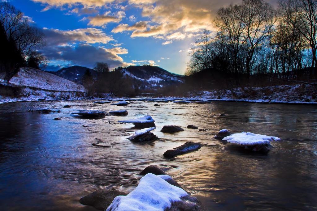 Moldova river by lica20