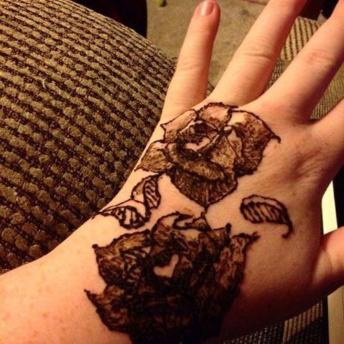 Henna Roses by Starrphyre