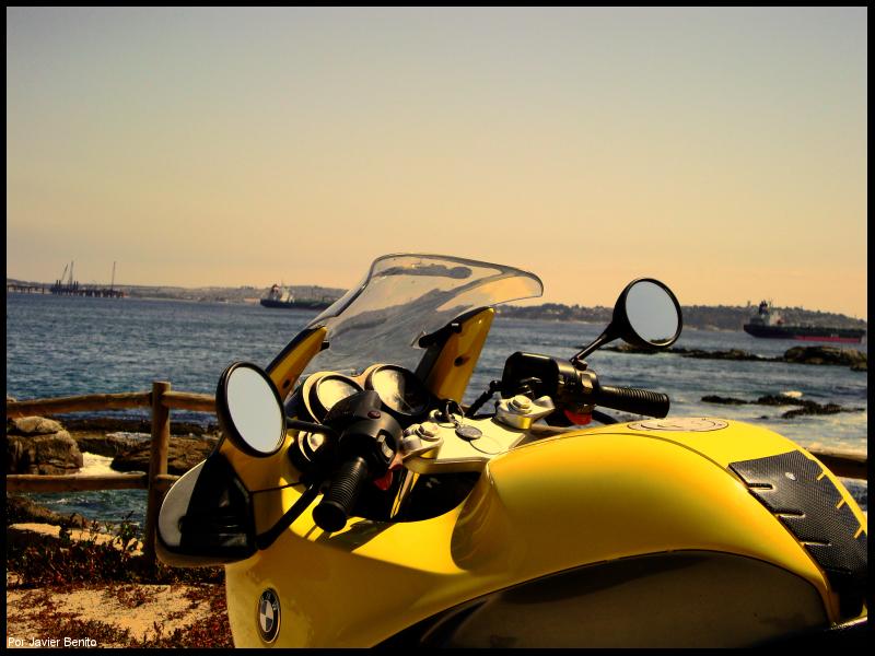 Mirando al mar by Edge-Suizo