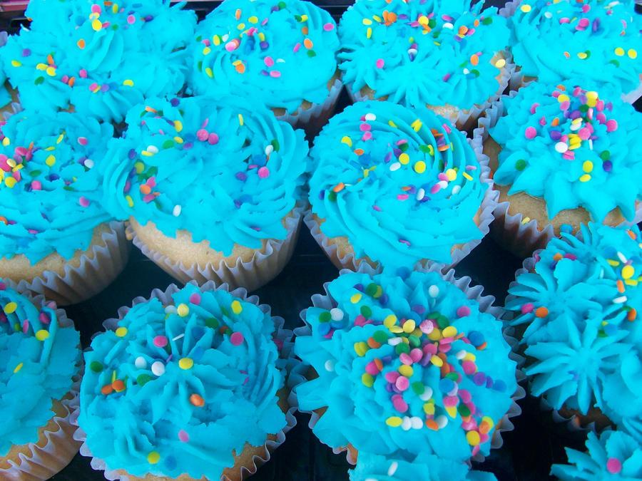 cupcakes by zanpakatou