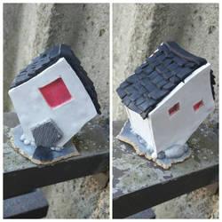 Monochromatic Box House