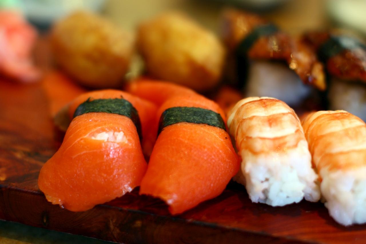 IMAGE: http://fc09.deviantart.net/fs71/f/2010/261/0/8/raw_salmon_sushi_by_forthewinwinx3-d2z0q1t.jpg