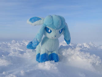 Snowy Glaceon by Ageira
