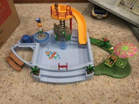 Playmobil Pool