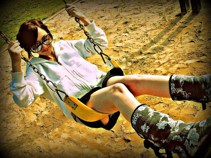 swing swang swung II by gloom-ghoul