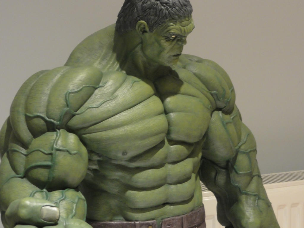 Hulk Smash 1/4 Scale almost finished by Mutronics