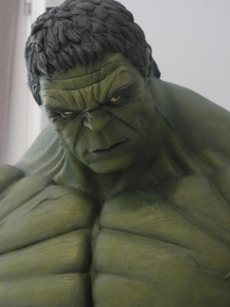 Hulk Smash 1/4 Scale 4 by Mutronics
