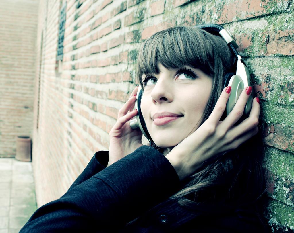 Music girl by glueboy on deviantart