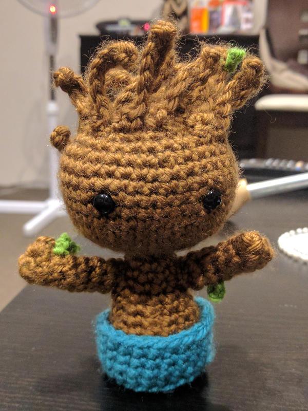 Baby Groot by lutrasilvereye