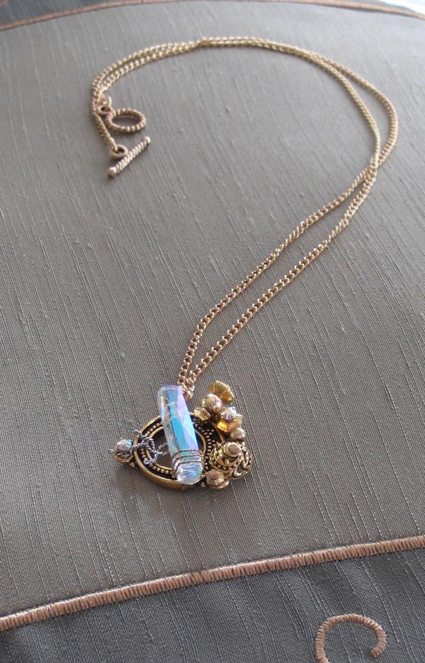 Great Zero mini pendant view 3 by HylianJean