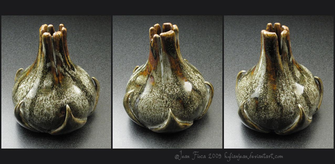 Eder Kemo Bud Vase by HylianJean