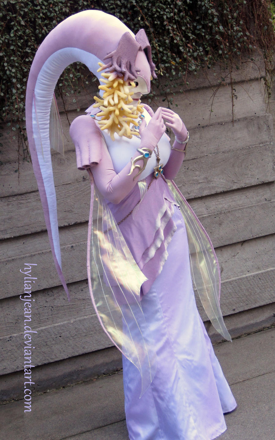 Queen Rutela Cosplay (Before Completion - old pic) by HylianJean