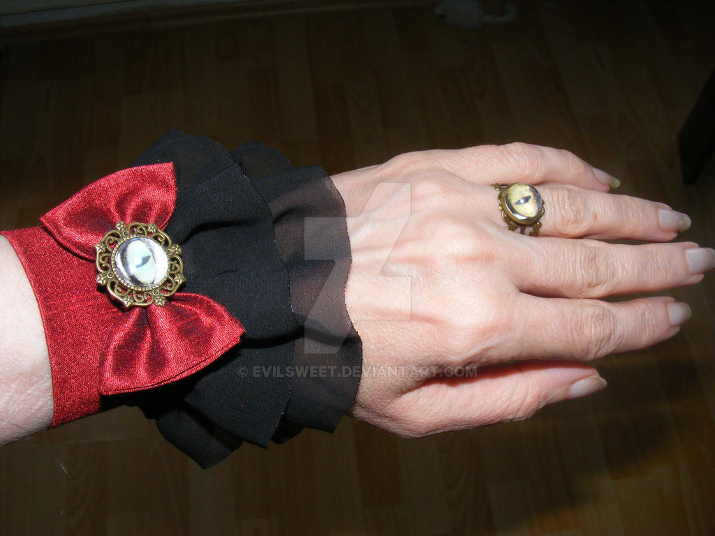Cat Eye Lolita wrist cuffs and rings by Evilsweet