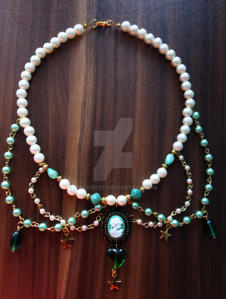 Lolita Emerald Dream Necklace by Evilsweet