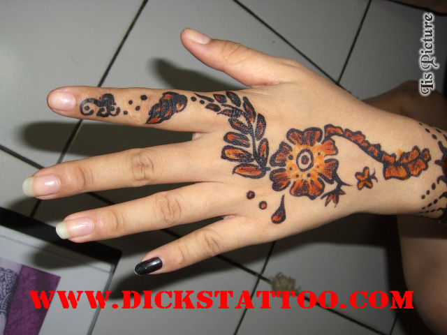 Black and red henna dickstat by dickstattoo on deviantart for Red henna tattoo