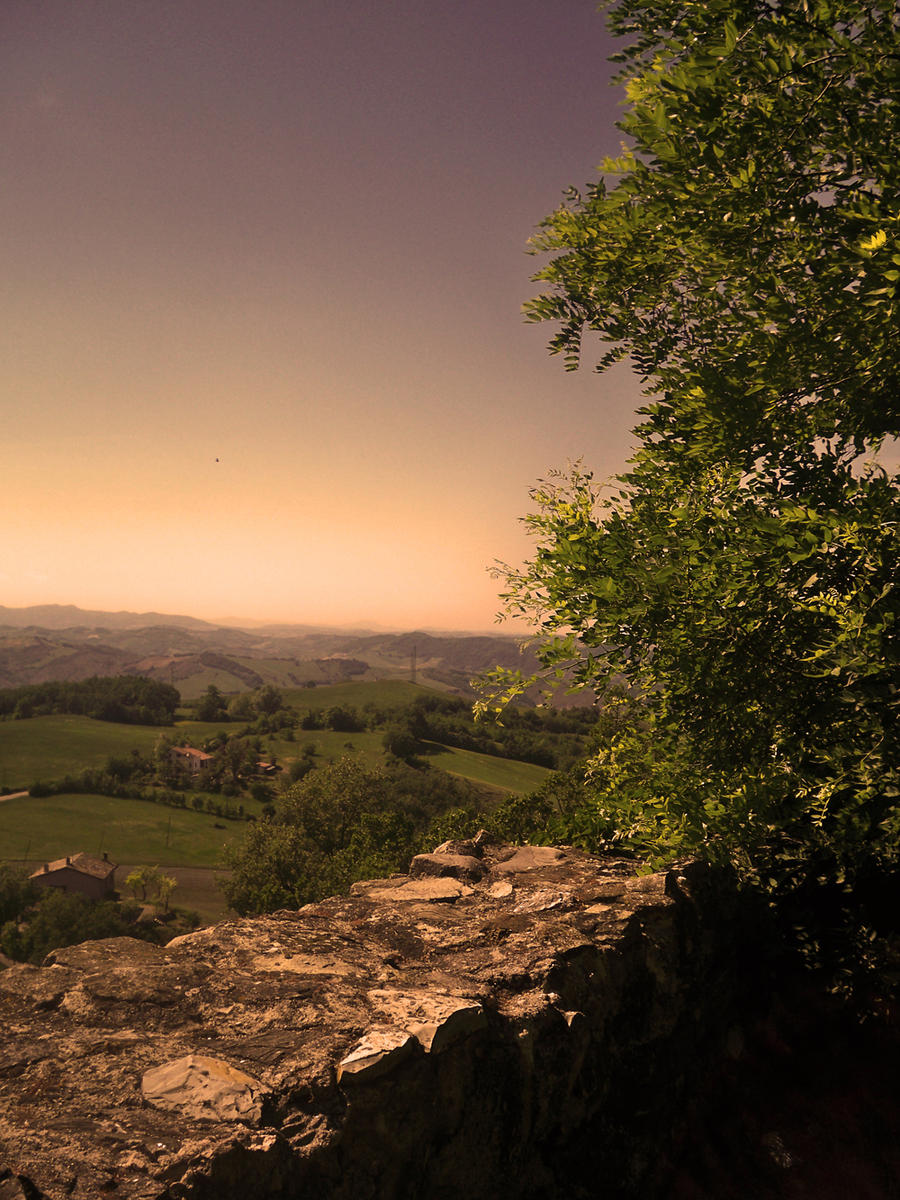 Castle of Rossena: a view by AliceCullen88