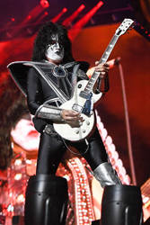 Tommy Thayer / KISS Concert 8-6-19 by dA--bogeyman
