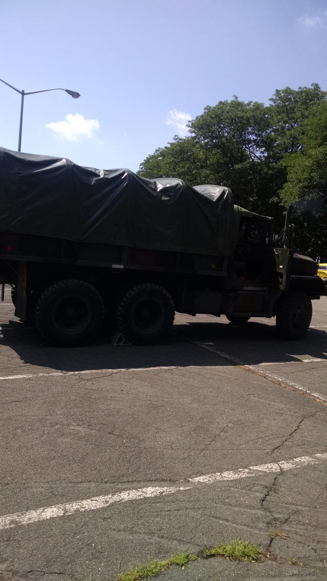 Giant Army Truck at the Suffern auto show by hot293wildcat