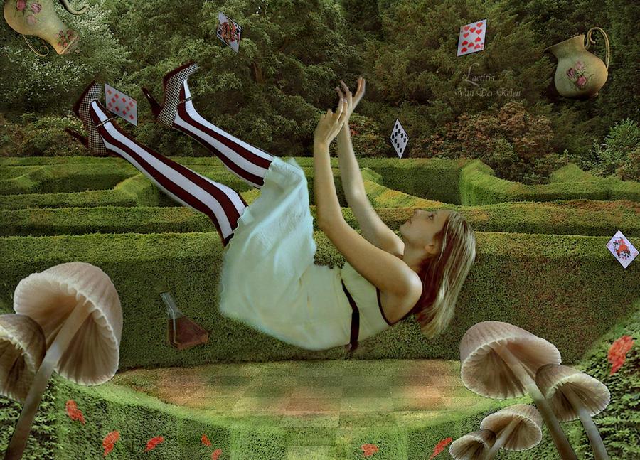 Alice au pays des Fous by Blossom-Lullabies