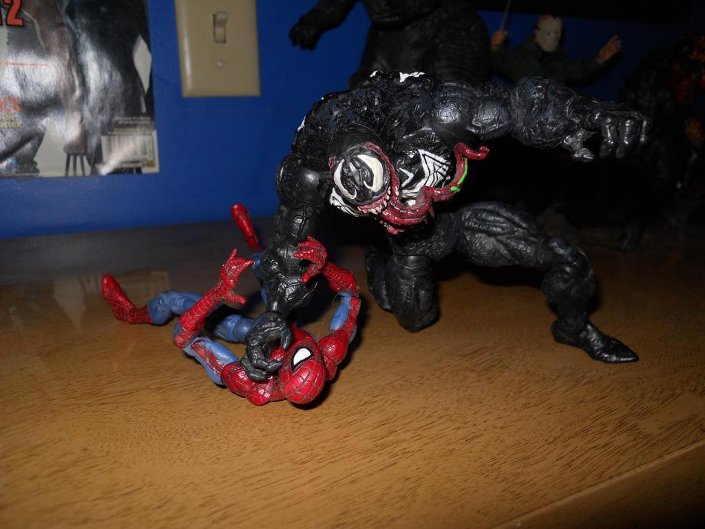 Venom vs Spider-Man 002 by BiggEzilla82