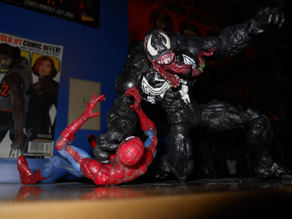 Venom vs Spider-Man 003 by BiggEzilla82