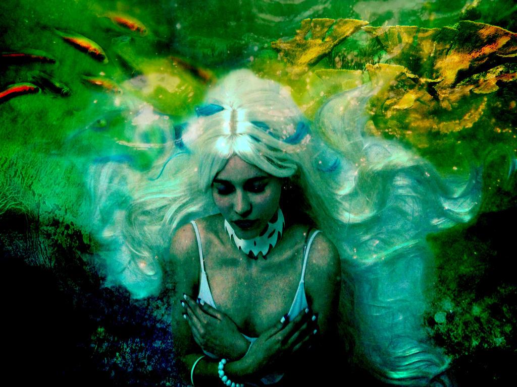 Underwater feelings by TanukiLady