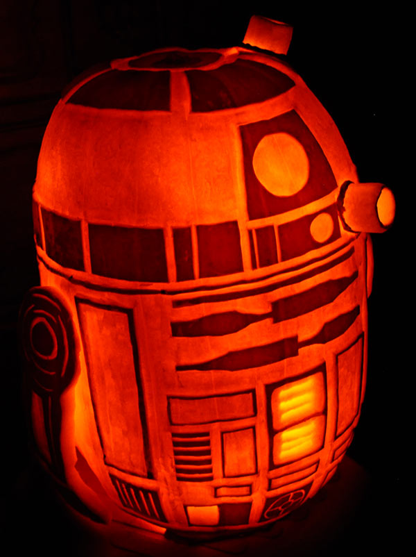 R2D2 - front view by NoelDickover
