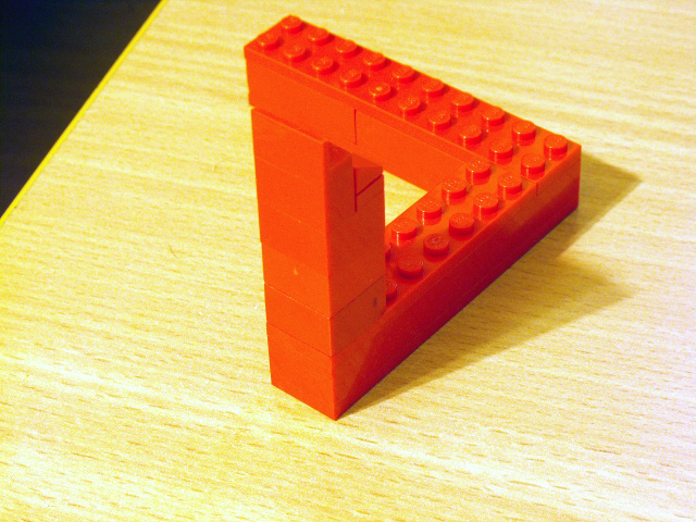 A LEGO optical illusion by ryanthescooterguy