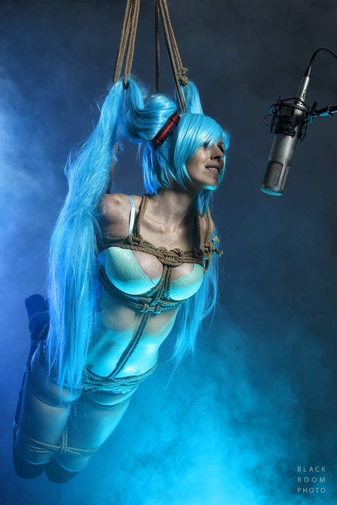 Hatsune MIku - Suspended by BlackRoomPhoto