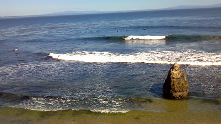 Surfers Ruin An Otherwise Great Photo 02