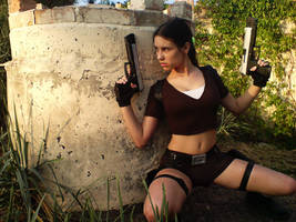 Lara Croft  - In ambush
