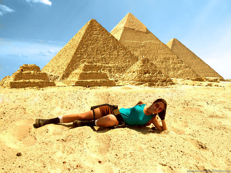 Lara Croft and pyramids by TanyaCroft