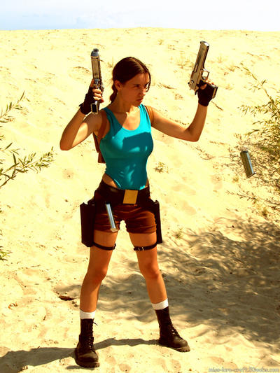 Lara Croft - reloading guns by TanyaCroft