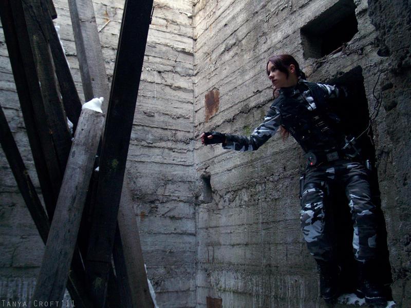 Lara Croft - Ready for jump by TanyaCroft