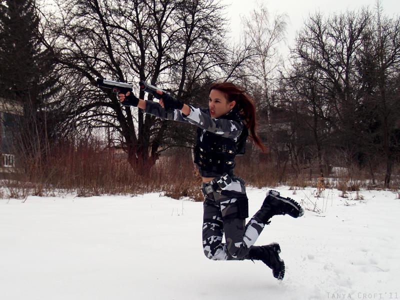 Lara Croft - jump with guns by TanyaCroft