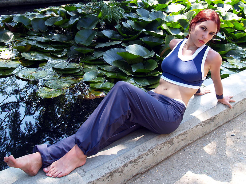 http://fc04.deviantart.net/fs71/i/2011/237/5/f/lara_croft_gym_suit_cosplay_by_misslarisacroft-d47t1io.jpg