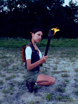 Little Lara Croft - fire