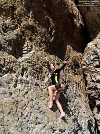 Lara Croft wetsuit - rock climbing by TanyaCroft