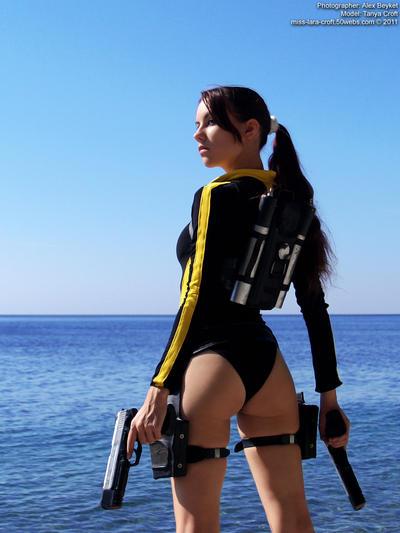 Lara Croft wetsuit - back by TanyaCroft