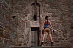 Lara Croft - stand back to you