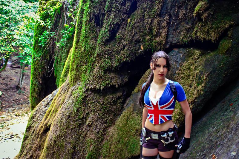 Lara Croft - union jack by TanyaCroft
