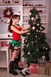 New Year's Lara Croft - decorating