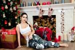 Christmas Lara Croft cosplay - barefoot