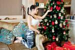 Christmas Lara Croft cosplay - decorating