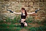 Lara Croft Underworld - double shot