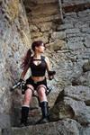 Lara Croft Underworld - rocks around