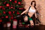 Christmas Lara Croft cosplay - dual pistols