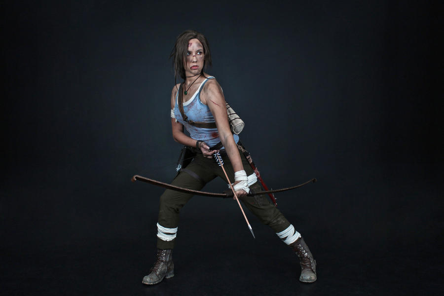Lara Croft REBORN cosplay - studio 10