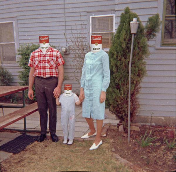 http://fc04.deviantart.net/fs71/f/2010/165/b/b/Famille_Americaine_by_toke32.jpg